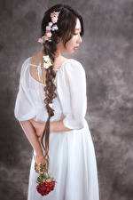 Photo Asian Roses Back view Dress Plait young woman Flowers
