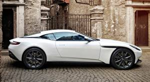 Photo Aston Martin White Side Coupe Metallic Luxurious DB11, V8, 2017 automobile