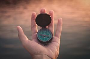 Hintergrundbilder Großansicht Kompass Hand