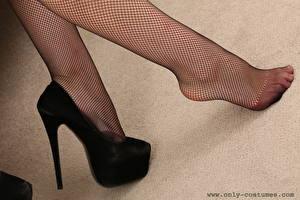 Tapety na pulpit Zbliżenie Nogi Buty na obcasie Rajstopy Dziewczyny