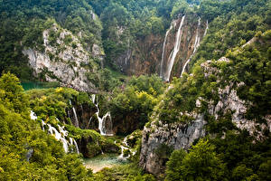 Desktop wallpapers Croatia Parks Forest Waterfalls Crag Plitvice Lakes Nature