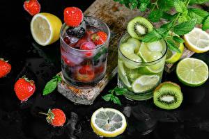 Fotos Getränke Kiwi Erdbeeren Zitrone Limette Limonade Trinkglas Lebensmittel