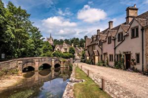 Fotos England Burg Brücken Gebäude Bäume Castle Combe, Wiltshire