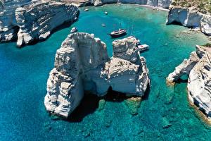 Bilder Griechenland Küste Schiffe Felsen Von oben Ksylokeratia Milos Natur