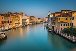 Picture Italy Building Canal Venice Cities