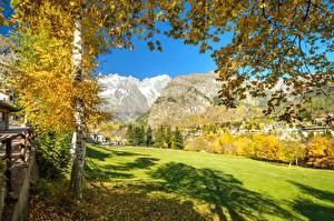 Hintergrundbilder Italien Gebirge Herbst Alpen Bäume Valle d'Aosta Natur