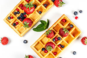 Picture Pastry Strawberry Blueberries Waffles Berry White background