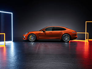 Images Porsche Orange Metallic Side Panamera Turbo S (971), 2020 automobile