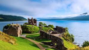 Bakgrundsbilder på skrivbordet Skottland Insjö Ruinerna Loch Ness, Urquhart Castle Natur