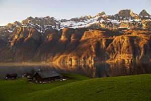 Hintergrundbilder Schweiz Gebirge See Haus Schnee Alpen Glarus Natur