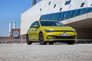 Bakgrunnsbilder Volkswagen Metallisk Forfra Gul Golf eHYBRID, 2020