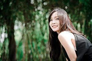 Papel de Parede Desktop Asiático Fundo desfocado Ver Sorrir Castanhos mulheres jovens