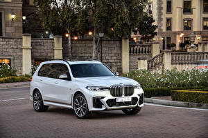 Photo BMW Crossover White Metallic 2019 X7 M50d Cars