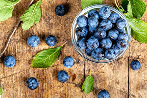 Picture Blueberries Many Wood planks Foliage Bowl Food