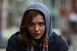 Wallpapers Chloe Grace Moretz Face Glance Hood headgear Greta Movies Celebrities Girls