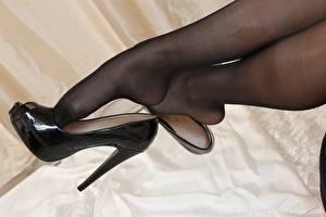 Bilder Hautnah Bein Stöckelschuh Strumpfhose Mädchens