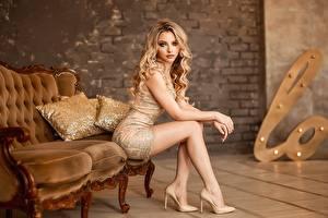 Hintergrundbilder Bein Schöne High Heels Sitzt Georgy Dyakov, Ekaterina Zorina Mädchens