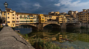Bakgrunnsbilder Italia Firenze Bygning Elver Elv Broer Ponte Vecchio bridge en by