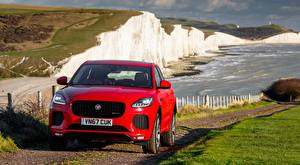 Bakgrunnsbilder Jaguar Forfra Crossover Rød E-Pace, R-Dynamic First Edition, UK-spec, 2017 bil