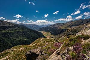 Bureaubladachtergronden Berg Steen Hemelgewelf Andorra Vallei Een dal Pyrenees Natuur