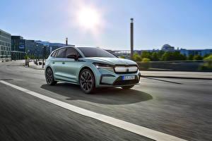 Wallpapers Skoda Roads Moving CUV Metallic Enyaq iV Founders Edition, 2020 automobile