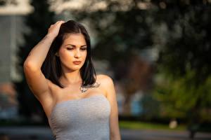 Bilder Brünette Pose Hand Tätowierung Bokeh Vanessa Mädchens