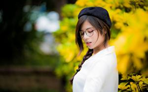 Image Asiatic Blurred background Brown haired Eyeglasses Braid hair Beret Girls