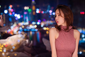 Photo Asiatic Blurred background Brown haired Night female