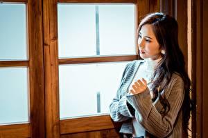 Hintergrundbilder Asiatische Unscharfer Hintergrund Hand Braunhaarige Sweatshirt Mädchens