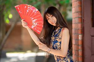 Papel de Parede Desktop Asiático Sorrir Mão Leque Vestido Ver Bokeh Meninas