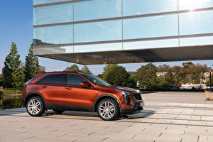 Images Cadillac CUV Metallic Side XT4 350D, Launch Edition Sport, 2020 automobile
