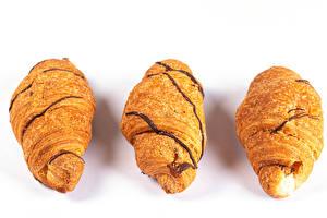 Fotos & Bilder Croissant Weißer hintergrund Drei 3 Lebensmittel