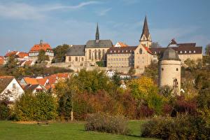 Tapety na pulpit Niemcy Jesień Budynki Drzewa Warburg Miasta