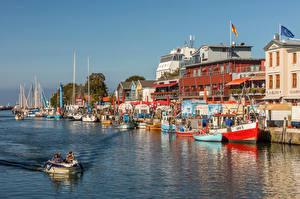 Fotos & Bilder Deutschland Boot Yacht Haus Flusse Waterfront  Städte