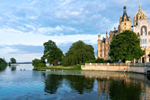 Wallpapers Germany Castles Rivers Trees Schwerin Castle