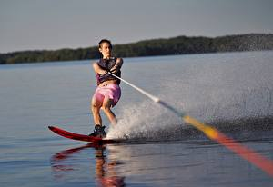Photo Man Water splash water skiing