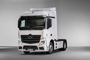 Fotos Mercedes-Benz Lastkraftwagen Weiß Metallisch  automobil