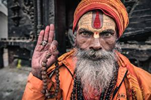 Photo Old man Hands Bearded Face Nepal, Kathmandu, Portrait of a sadhu