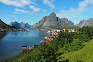 Papel de Parede Desktop Noruega Lofoten Montanha Edifício Baía Reine Cidades