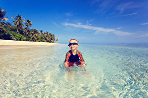 Photo Sea Boys Glasses Joyful child
