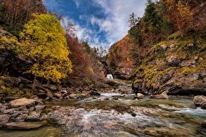 Fonds d'écran Espagne Parcs Automne Montagne Pierres Rivière Arbres Monte Perdido National Park