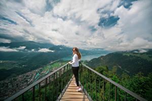 Fotos & Bilder Schweiz Gebirge See Wolke Harder Kulm, Lake Thun Natur Mädchens