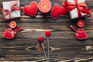 Bilder Valentinstag Kerzen Herz Bretter Geschenke Vorlage Grußkarte