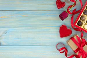 Sfondi desktop Festa di san Valentino Tavole Modello biglietto di auguri Regali Fettuccia