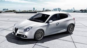 Pictures Alfa Romeo White Giulietta, 2016, Hatchback auto