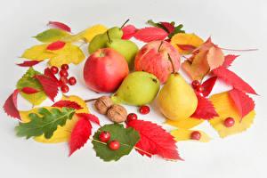 Bilder Herbst Äpfel Birnen Beere Grauer Hintergrund Blattwerk Lebensmittel