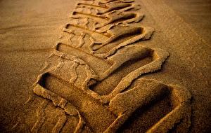 Wallpapers Closeup Footprints Sand Tractors