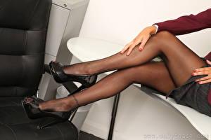 Wallpapers Closeup Legs Hands High heels Pantyhose