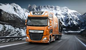 Fotos Lastkraftwagen DAF Trucks Orange Fahren  Autos