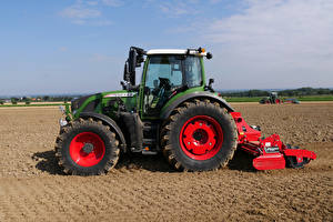 Photo Fields Agricultural machinery Tractors Side Fendt 516 Vario, 2012